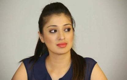 AR Murugadoss 'Akira' Lakshmi Rai Has Role In Guest!