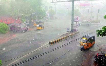 Heavy rains kill 10 in Telangana; Delhi also expected to rain