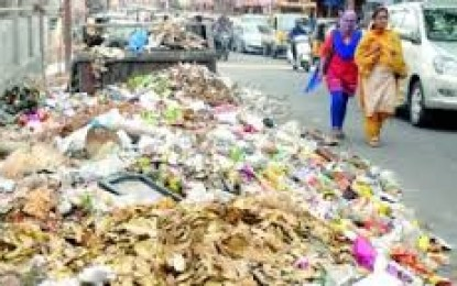 "GHMC Strike Turns ""SWACHH Hyderabad"" in Bin"