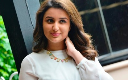 Star actress in love with Assistant director?