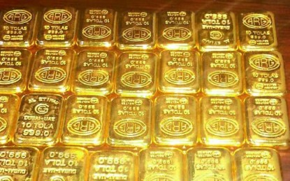 Gold slips below the mark of Rs 29,000, silver leaves to go from Rs 600