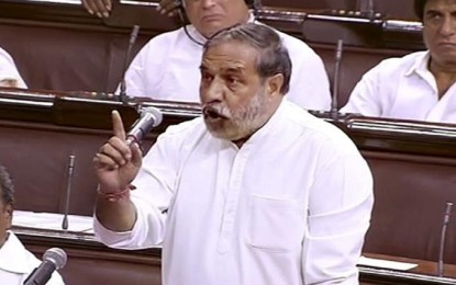 Uproar in RS on the observation of Prez, equating Gandhi with Deen Dayal Upadhyay