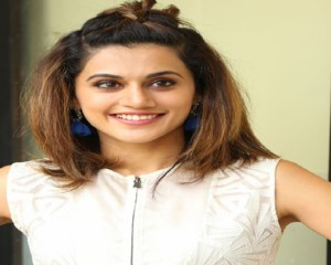 Did Taapsee undergo lip surgery?