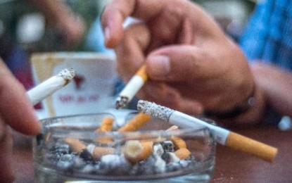 Reducing nicotine content in cigarettes may help curb addiction: study