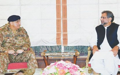 Pak PM, military chief meets to respond to Trump's criticism of Afghan policy