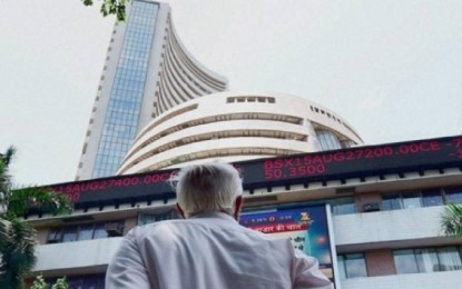 Sensex earns 155 points to ease the tension of Indo-China