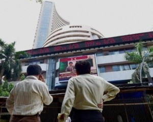 Sensex, Nifty back in green; Infosys up 0.42 percent at Rs 877.15