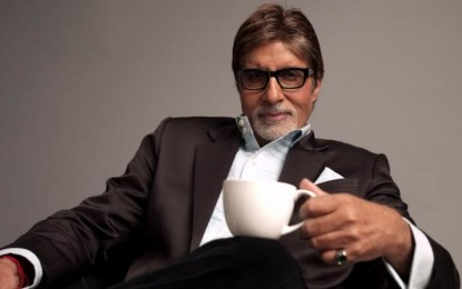 Amitabh Bachchan miraculously escapes car mishap in Kolkata