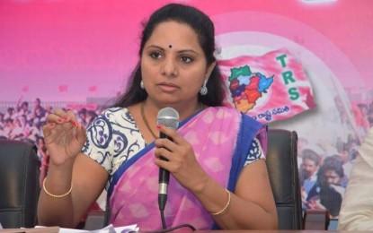 Kavitha releases Sammakka-Saralamma CD